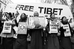 Demonstrators protest Chinese policies in Tibet. Photo: Tanya Niagar
