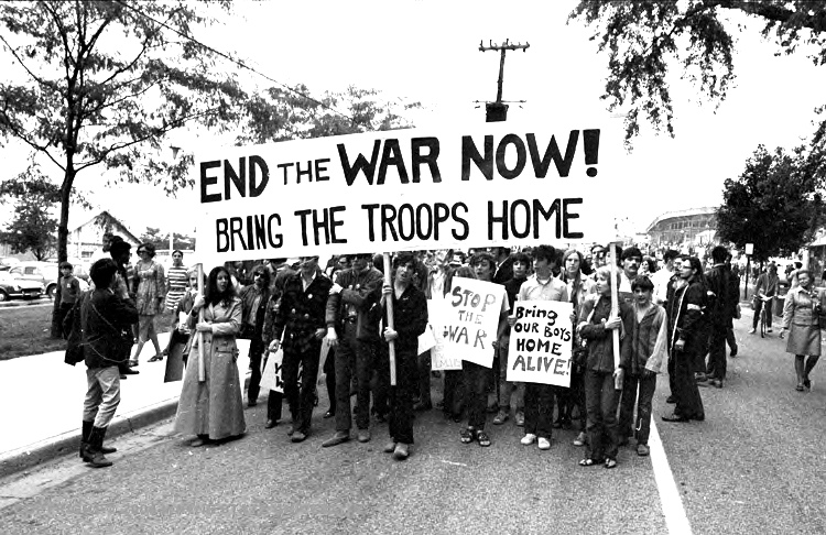 University students march to protest the Vietnam War in Ann Arbor, Michigan in September 1969. PHOTO: Wystan/Flickr