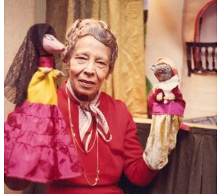 Un Libro a la Vez: How This Revolutionary Librarian and Puppeteer Brought Spanish Books to the Public Library